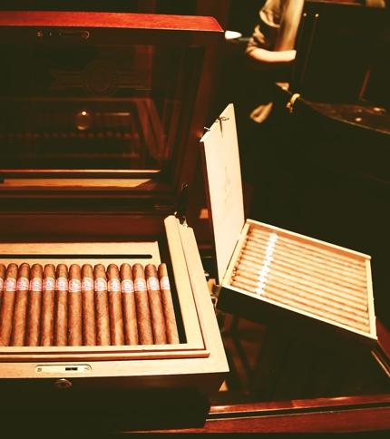 comment bien choisir sa cave cigares ma cave vin. Black Bedroom Furniture Sets. Home Design Ideas